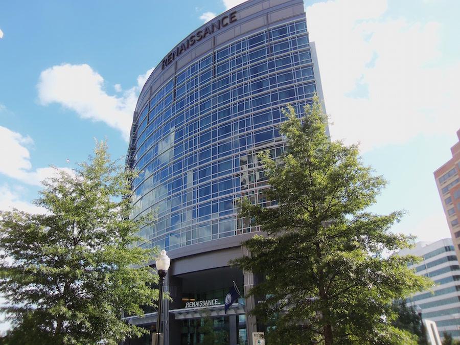 Renaissance_Arlington_Capital_View_Hotel